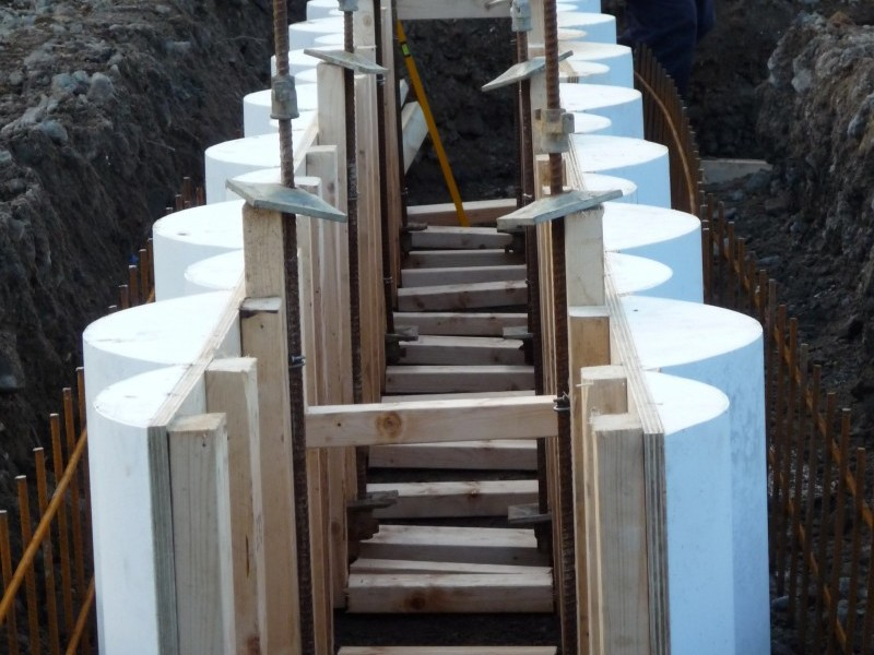 Re Useable Guide Wall Formwork Piling Products Cordek